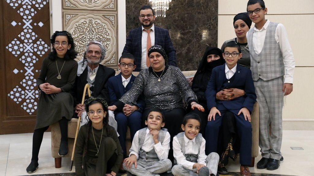 מרגש: איחוד משפחות יהודיות מתימן באבו דאבי