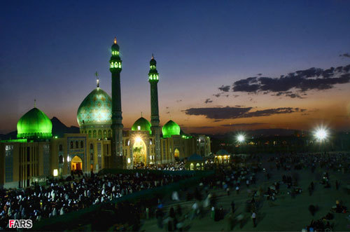 The Jamkaran Mosque in Qom, promoted by the Iranian regime under Mahmoud Ahmadinejad as a pilgrimage site where the Hidden Imam is expected to reveal himself as the Mahdi. (Mohammad Akhlaghi, Fars News Agency)