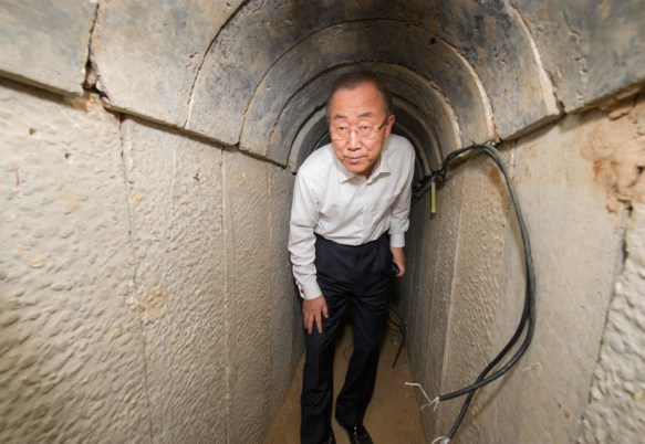 Secretary-General Ban Ki-moon's visit to the tunnel at Ein Hash Losa. October 14, 2014. Credit: UN