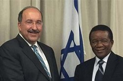Amb. Dore Gold with the director-general of the South African Foreign Ministry, Amb. Jerry Matthews Matjila, March 10, 2016.