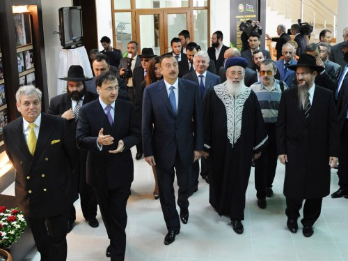 President of Azerbaijan Ilham Aliyev with Israeli Chief Rabbi Shlomo Amar, 2010.
