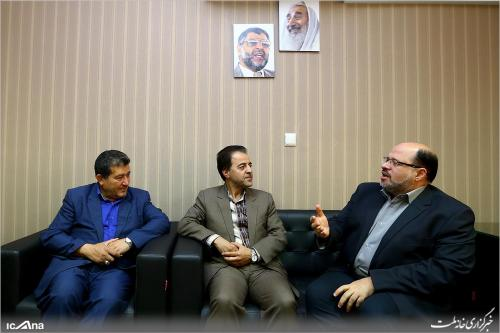 Members of Iran's Parliamentary Friendship Group and Khaled Qadoumi (Hamas representative).