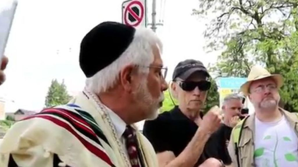 Pro Palestinian Jewish activists offer a new prayer for Gaza