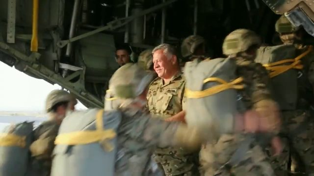 King Abdullah II participates in a parachute training