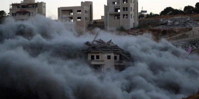 Demolition of buildings in Wadi Hummus.