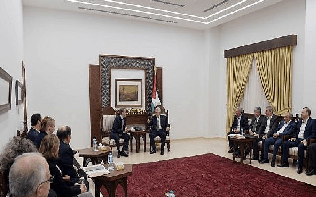 J Street's director and board meet with Palestinian Authority Chairman Abbas and officials in Ramallah, 2018