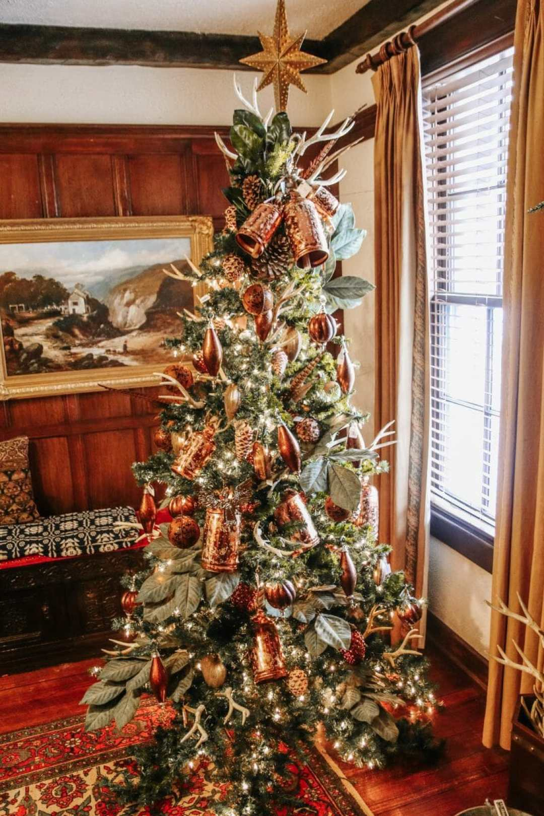 Christmas Time At Wakefield-Scearce Galleries in Shelbyville, KY by JC Phelps of JCP Eats, A Kentucky-Based Food and Lifestyle Blog