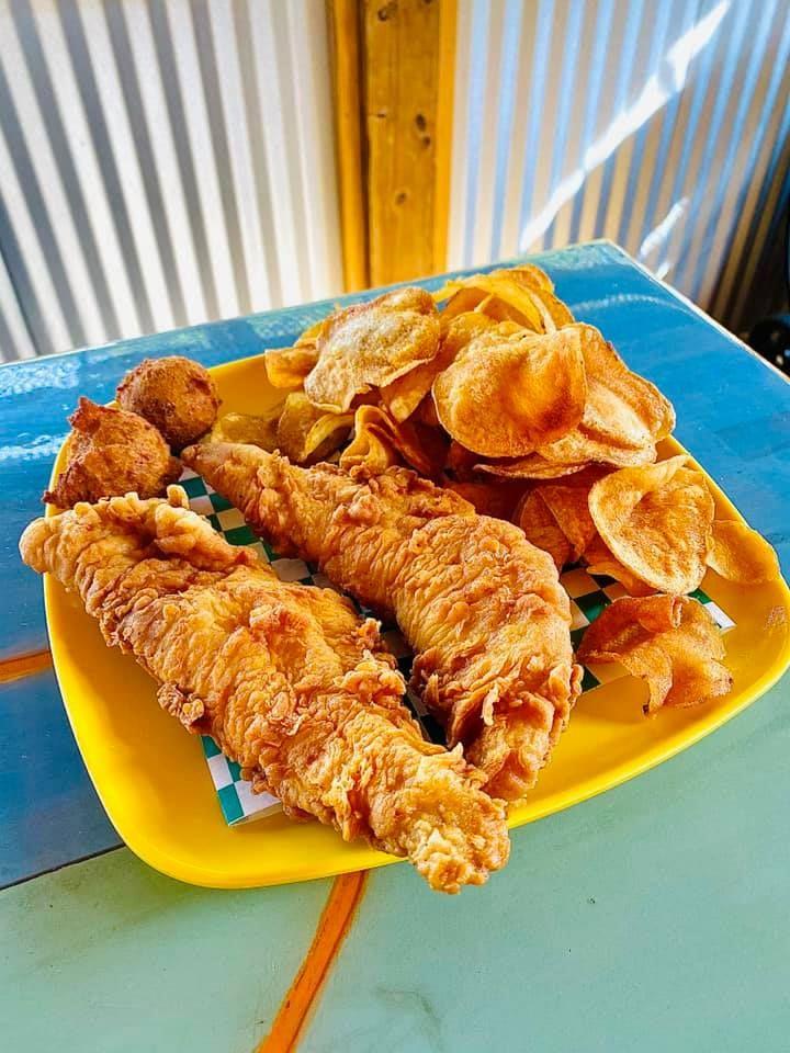 Petty Boys Seafood, Simpsonville, KY