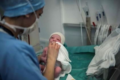 Resultado de imagem para Com zika e crise, nascimentos recuam no país após 6 anos; casamentos caem