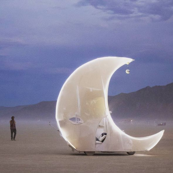 Moon art car