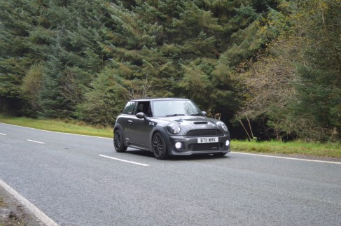 MINI JCW EVO TRIANGLE ROAD