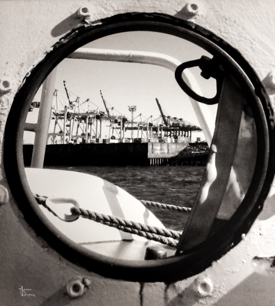 Faces of Hamburg – porthole view