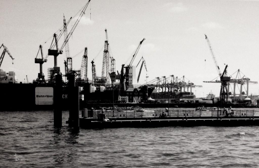 Faces of Hamburg – Cranes and docks