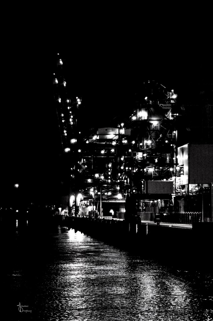 Faces of Hamburg – Empty docks at night
