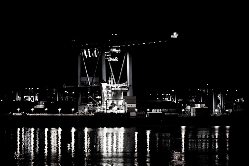 Faces of Hamburg – Cranes at night