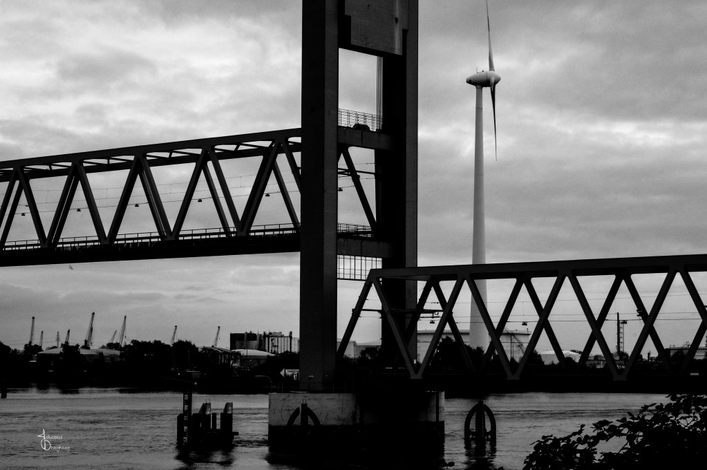 Faces of Hamburg – open Kattwykbrücke