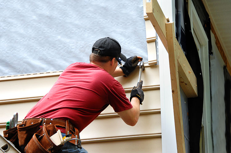 Who Should You Hire To Install Your House Siding