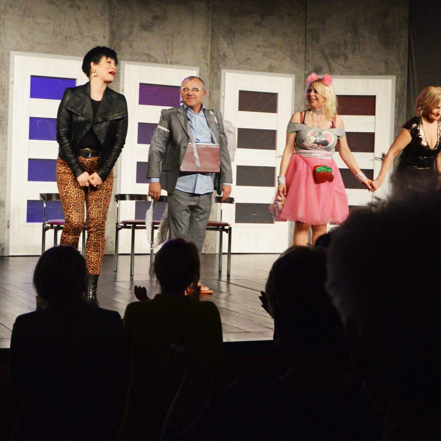 Anioł i kobiety: aktorzy żegnają się z widzami