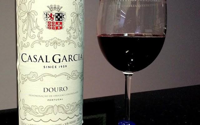 Vinho tinto Casal Garcia