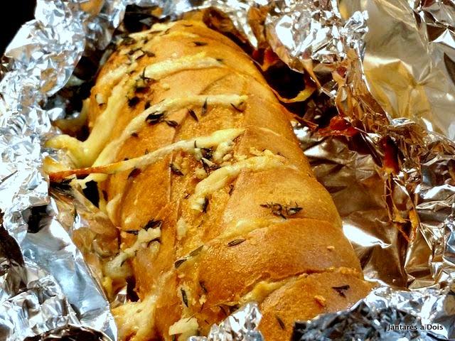 Pão de Alho: Porque ele Não Precisa ser Servido Só no Churrasco