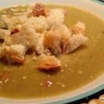 Sopa de Ervilhas com Bacon, Calabresa e Lombo Defumado