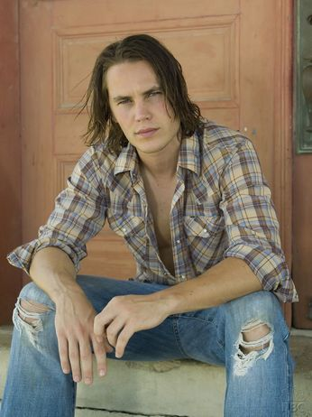 Choice Hottie for May: Taylor Kitsch (5/6)