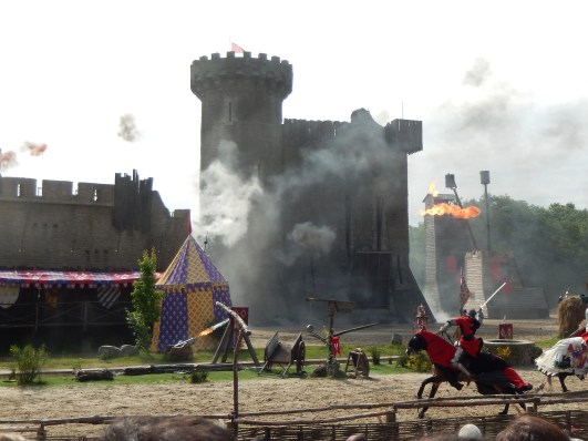 knights and castle-811805_1920