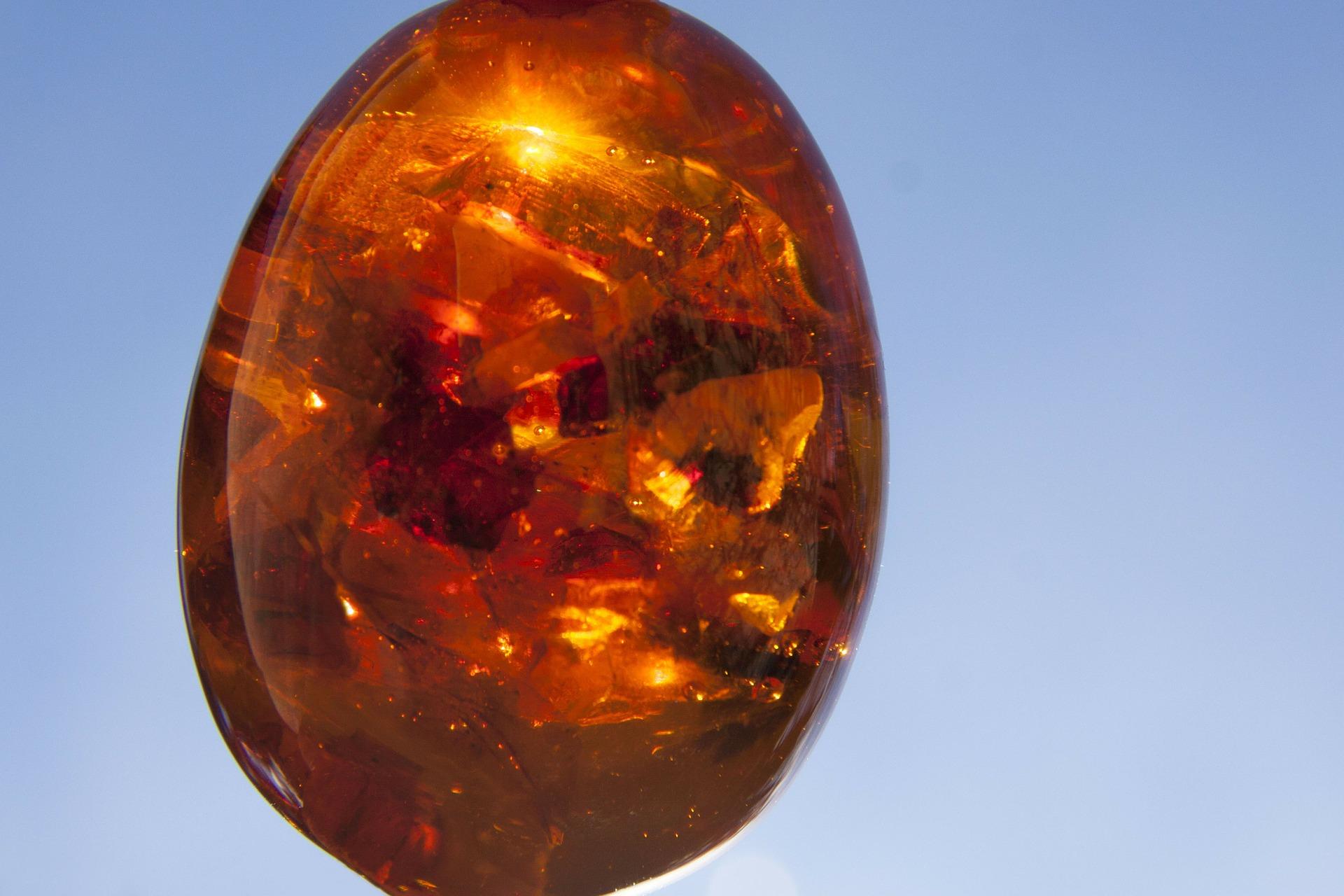 fossilised resin druid egg