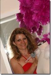 Isabelle Carré plumassière pour la revue club med Grégolimano en Grèce