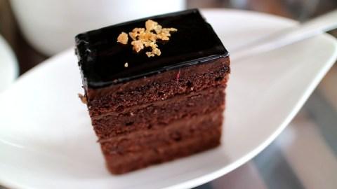 Stop à la culpabilité : savoir se faire plaisir avec un gâteau au chocolat par exemple