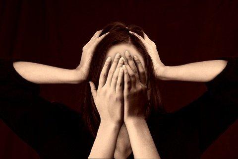 Le stress - Causes, symptômes et conseils - prise de tête