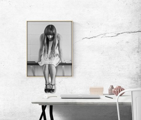 Comment réduire le stress de la rentrée : femme déprimée et bureau