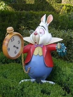 Comment réduire le stress de la rentrée : le lapin d'Alice au Pays des Merveilles toujours en retard