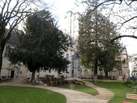 Tour Philippe Le Bon Dijon vue du ciel