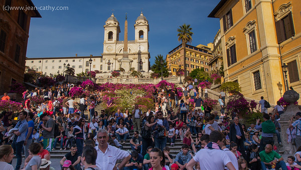 Crowded Spanish steps