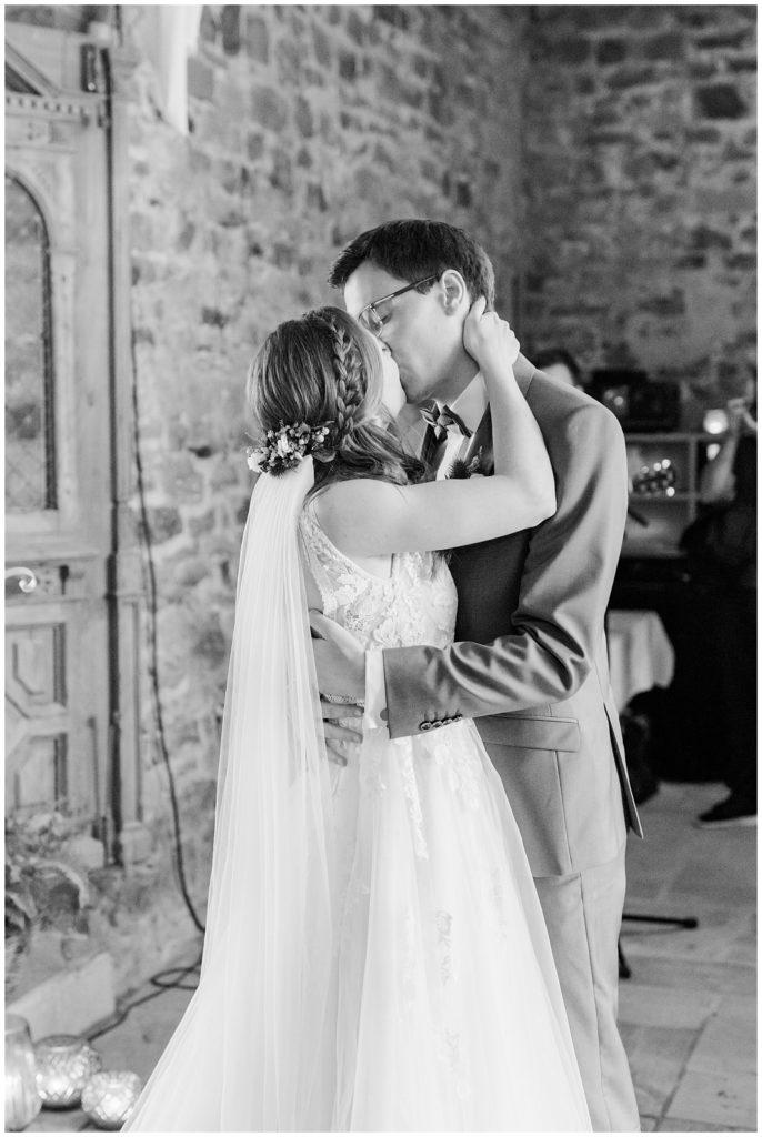 bryllupsbilleder af rustikt bryllup i ladebryllupsbilleder af rustikt bryllup i lade