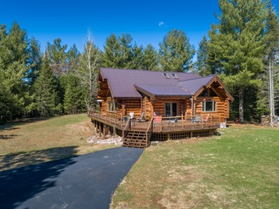 8648 S Cty Rd A, Superior. $425,000. Closed 6/30/20.