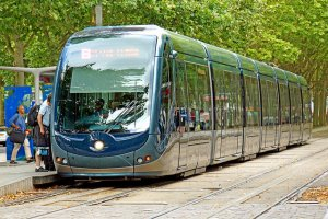 Tram Bordeaux CC Flickr Denis Jarvis