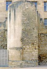Enceinte de Philippe Auguste Tour des jardins Saint-Paul