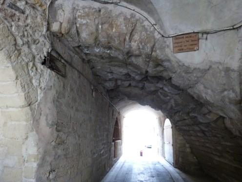 Arches antiques cachées