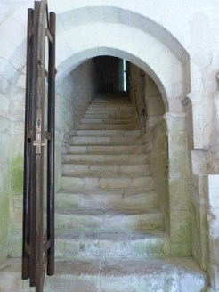 Cloître, escalier