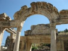 Ephèse-Temple d'Adrien