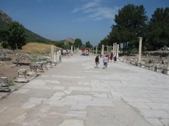 Ephèse allée qui reliait le port à la ville