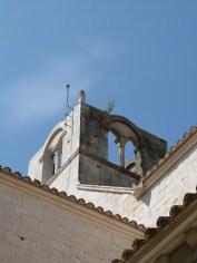 Le clocher carré sans toit