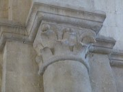 Nef, chapiteau et colonne