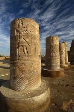 Colonnes du temple de Kôm Ombo