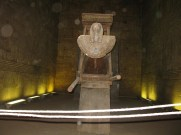 La barque sacrée d'Horus dans la naos