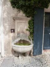 Fontaine à Pernes les Fontaines