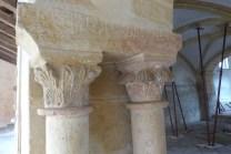 Salle-capitulaire-chapiteaux-décorés