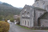 Abbaye de Sylvanès - façade est - chevet côté choeur